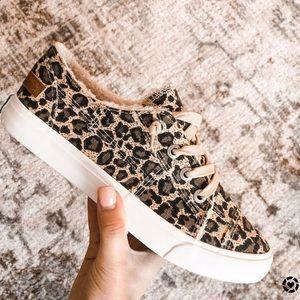 *NWOB* •Blowfish• Leopard Sneakers